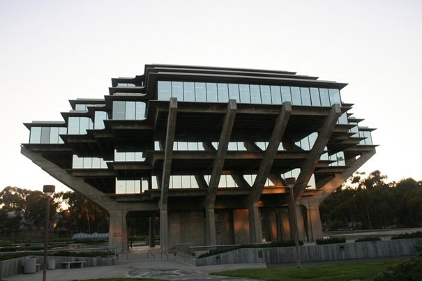 UCSD Geisel Library (San Diego, California, United States)