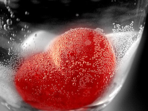 Heart Bubbles 52 Free High Resolution Valentines Day Wallpapers