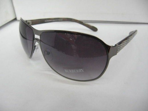 Burberry Sunglass Design 20111 520x390 45 Graceful Sunglasses Designs