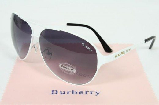 New Burberry Sunglass Style1 520x346 45 Graceful Sunglasses Designs
