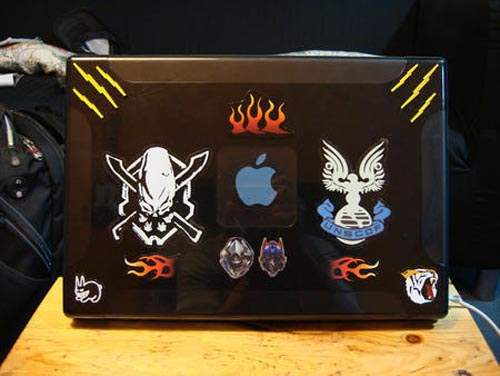 appl 50 Creative Laptop Skins and Stickers Design
