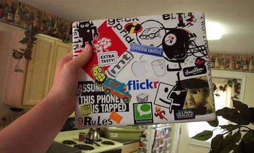 laptop 37 50 Creative Laptop Skins and Stickers Design