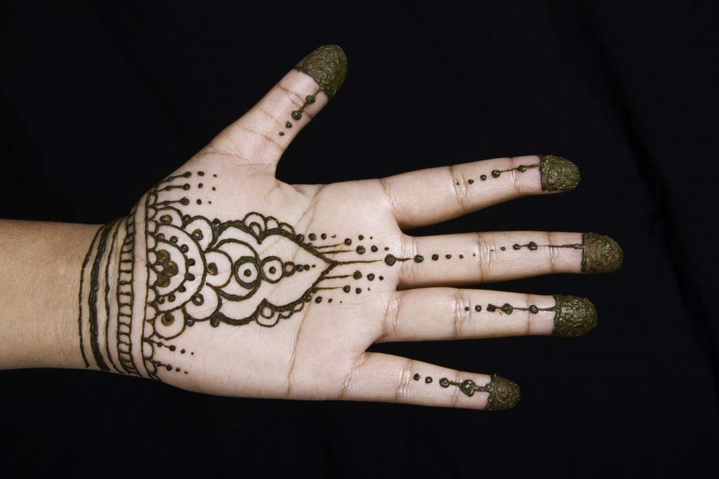 Mendhi-Henna-Palm-Veil-in-Tampa-Florida
