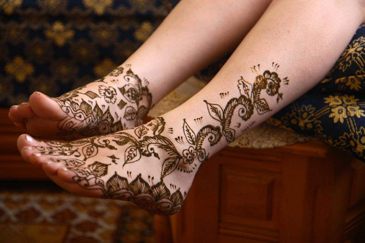 Henna Tattoo On Foot: Latest And Unique Henna Designs 2015