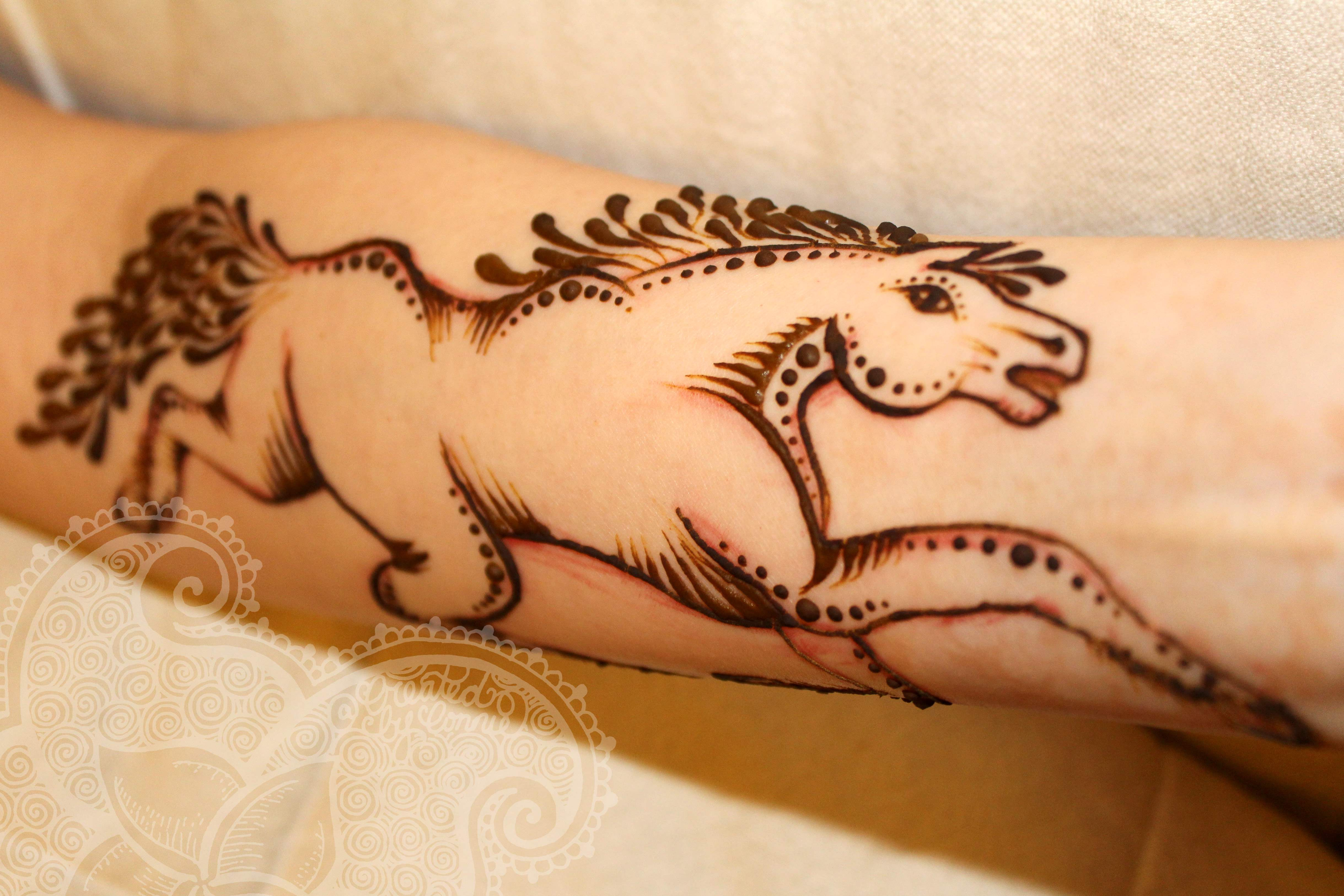 13 Unique Henna Designs Doing The Rounds This Wessing: Latest And Unique Henna Designs 2015