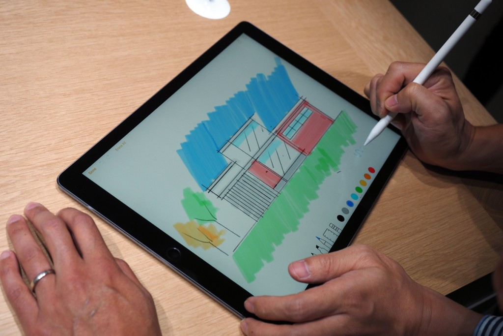 Latest Apple iPad Pro Review - Display