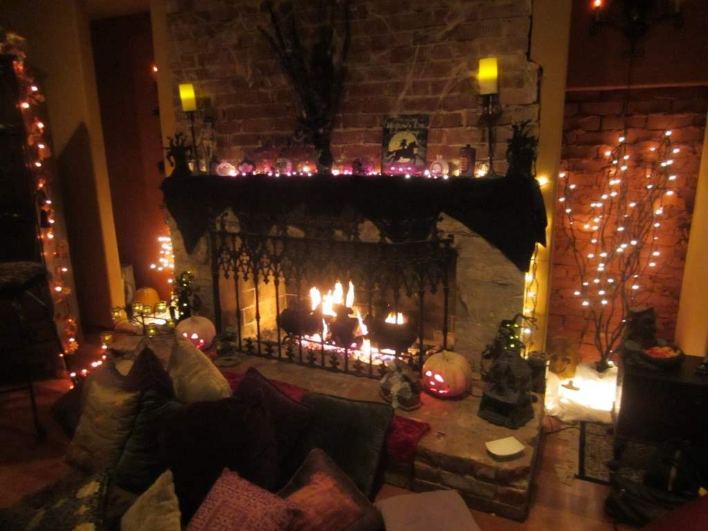 Halloween Party Decoration Ideas 2017, Time To Enjoy By Giving ...