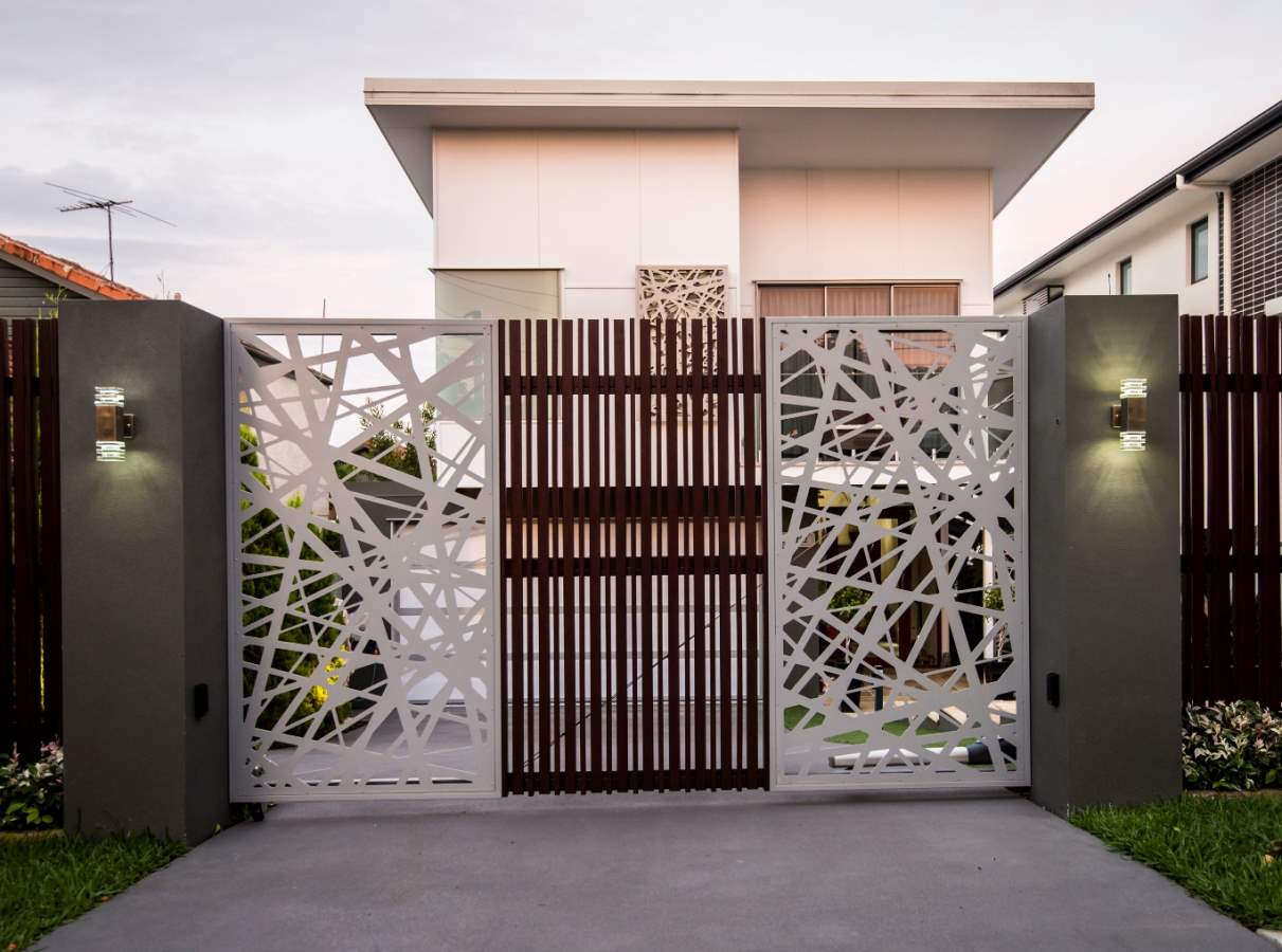 35 stunning modern main gate design for home decoration for Modern house gate